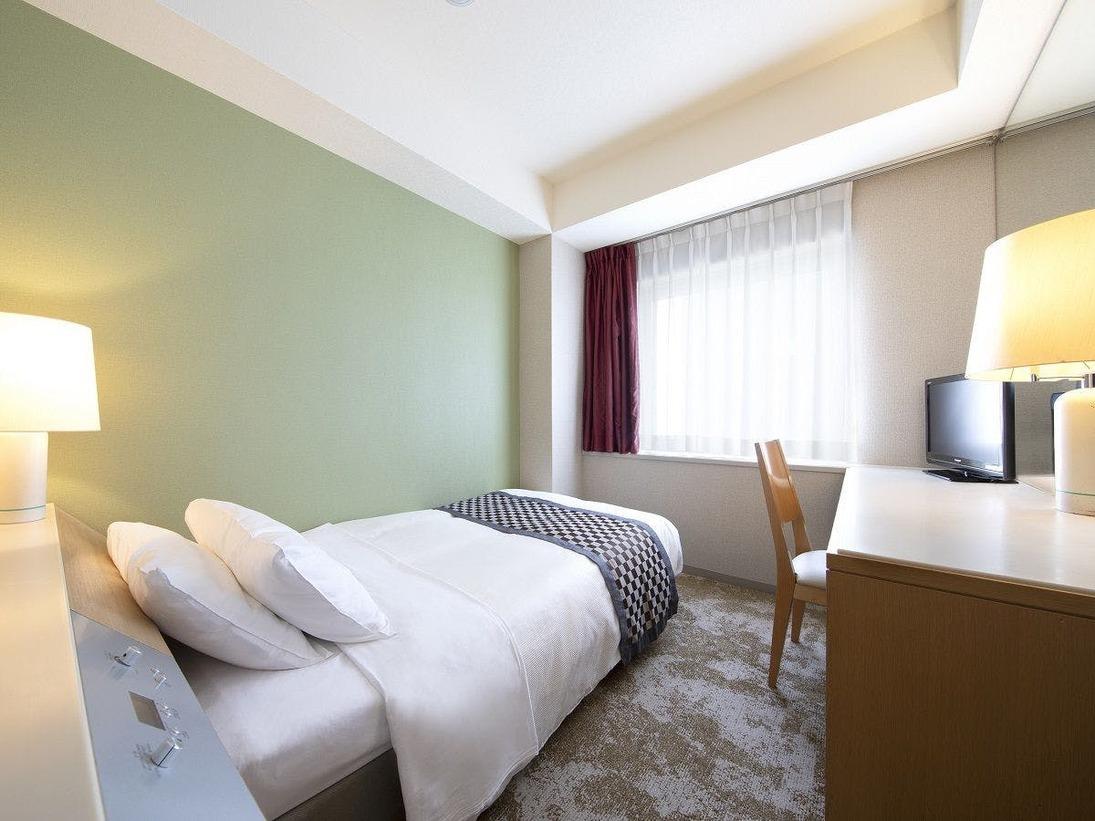 スタンダードシングルルーム(一例)広さ14.2平米/ベッド幅120cm