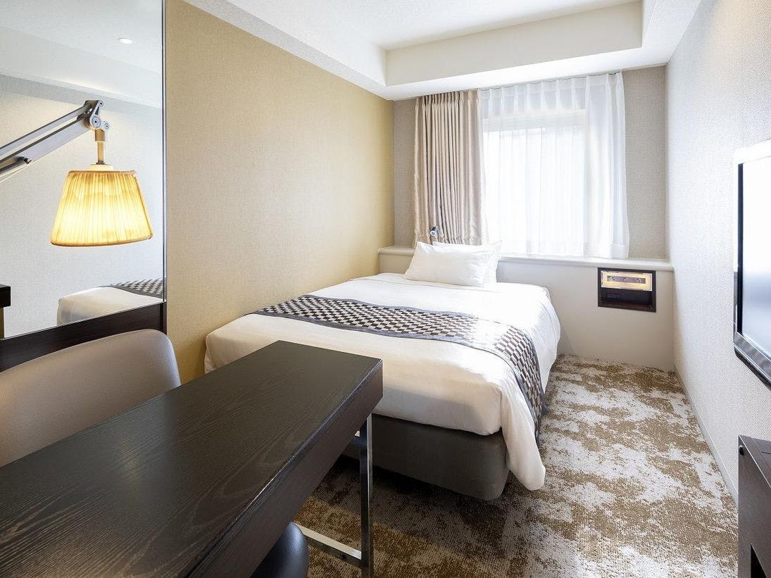 スーペリアシングルルーム(一例)広さ15.5平米/ベッド幅140cm