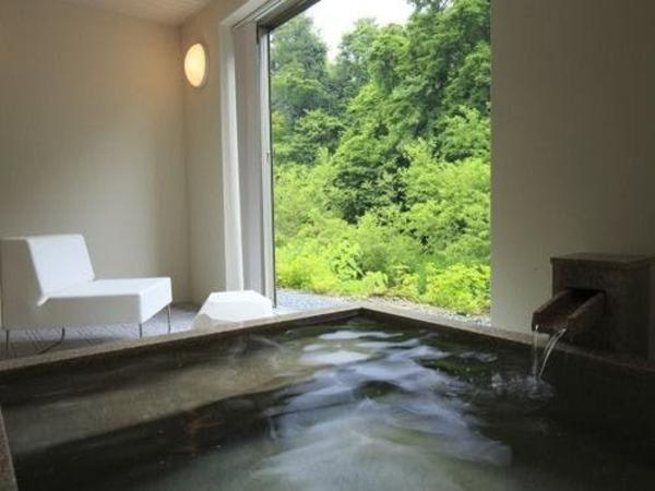 のんびり個室露天風呂に浸かる・・・・