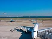 都営浅草線「エアポート快特」に乗って約30分!羽田空港へのアクセスも抜群なんです!