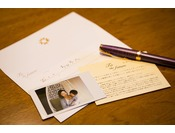 未来へのキミへ。「レタールーム」で、パパ・ママから成長した我が子へへ向けての手紙を綴りませんか。家族写真を手紙に同封し、お受け取り時まで保管致します。