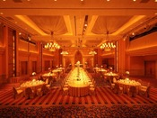 【宴会場】ボールルーム(3F)最大700名/規模や目的に応じて3分割でき、レセプションからご宴会まで幅広くご利用いただけます。