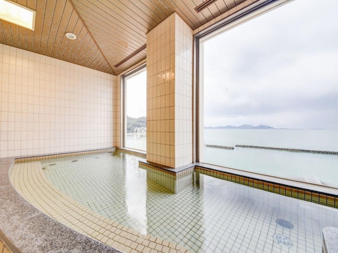 *展望風呂からは若狭小浜湾の景観が一望できます。