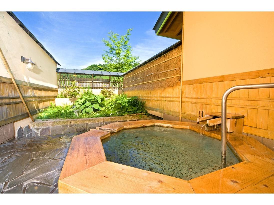 11種類の個室貸切露天風呂 1、翠どころの湯。