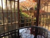 メゾネットタイプ116号室秋の風景