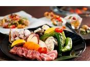 淡路島の素材の味を、シンプルな炭火焼で存分にお楽しみください。自身で焼く楽しみも、焼く際の美味しい匂いも、醍醐味のひとつです。