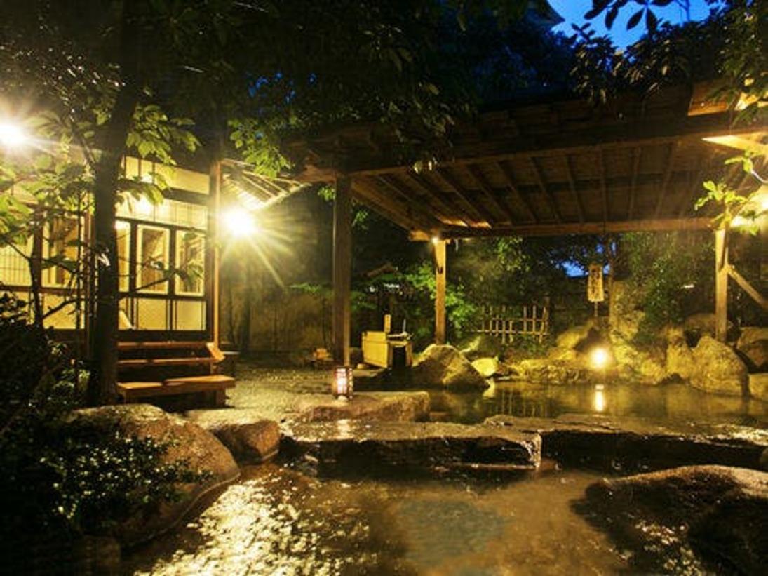 ■露天風呂-維新黎明の湯■ 贅沢な造りのリラックス空間、維新の湯を浴びながら心を癒す