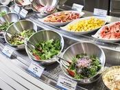 【ブッフェ】健康な野菜をサラダでたっぷりとお楽しみください。