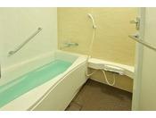 「キャッスルルーム」は洗い場が独立している広々としたバスルームも好評です。歩き疲れた体をゆっくり癒してください。【ウエストサイド(3~6階)】