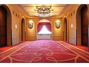 エレベーターを降りるとそこはおとぎ話の世界!夢の続きをお楽しみください。【ウエストサイド(5~6階)】