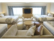 最大6名様までご一緒にご宿泊可能な「コンフォートデラックス」はグループステイに最適です。【ウエストサイド(7階)】