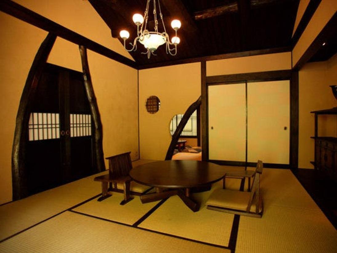 ■離れ特別室-蜜虫-■[間取り] 和室10帖+4.5帖+露天風呂+土間付板の間+専用庭