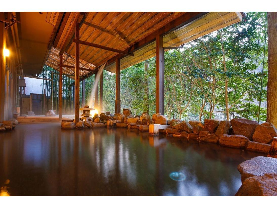 美杉リゾート自慢の大きな露天風呂