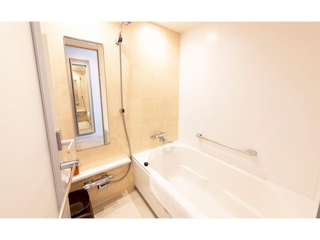 ツイン・コンフォートダブル・コーナートリプル/バスルーム