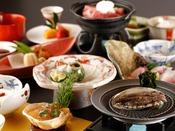 冬会席「白露」:山口県の冬の味覚を少しづつ色々とご賞味くださいませ。