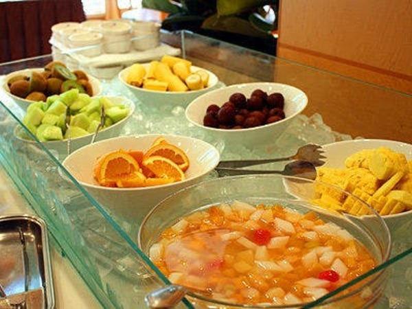 和洋50種以上の朝食バイキング