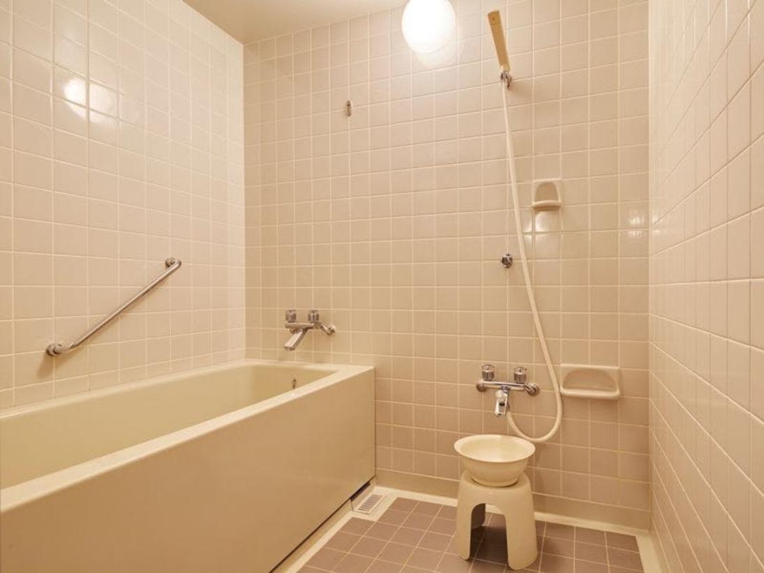 ■バスルーム(浴室):全室浴槽と洗い場がございますので、ご家族でも広々とご利用頂けます。