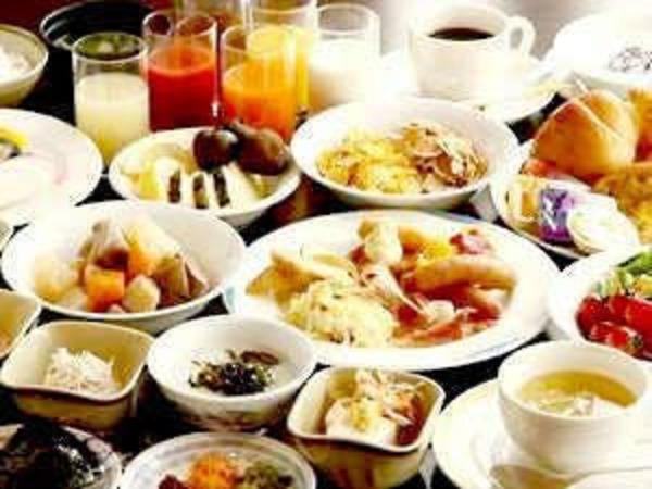 朝食:和洋30種以上のバイキング