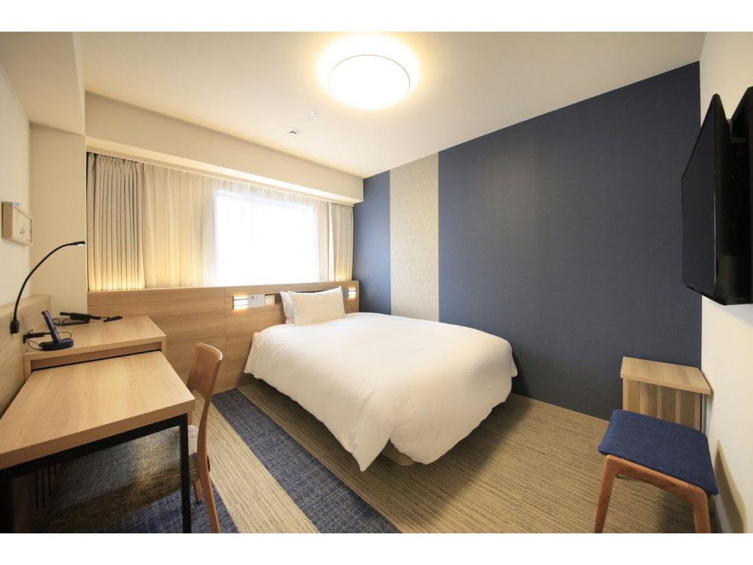 【客室案内】・客室面積17.2平米・ダブルベッド 1台(140cm×200cm)・ユニットバスタイプ