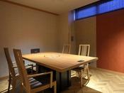 ビュッフェダイニング内で、あぶり網焼き焼肉コースをお楽しみいただける個室をご用意!+2,000円