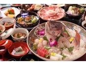 【お食事一例】鯛のお造りを中心とした和食会席料理(お造りは2名盛より ※写真は4名様盛り)