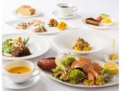 新鮮魚介の海鮮鉄板焼きコース。地元食材にこだわったイタリアン(一例)
