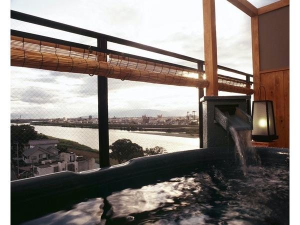 露天風呂付き長良川畔10畳間