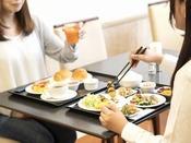 ご朝食は1Fブルームで♪朝7:00~10:00まで元気に営業中!!