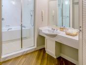 【コーナーダブル 71平米】 パウダールーム&バスルーム  ※イメージです