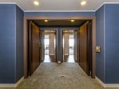 【コネクティングルーム 47平米x2部屋】2015年5月リニューアルOPEN! 隣り合っている2室のオーシャンスーペリアツイン/トリプルをコネクトドアの開閉によって、続き部屋として利用可能。ご家族やグループでのご利用に最適です。