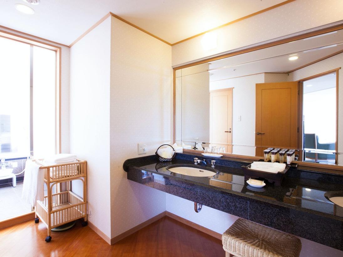 【和室ファミリー 92平米】パウダールーム&洗面台  ※イメージです
