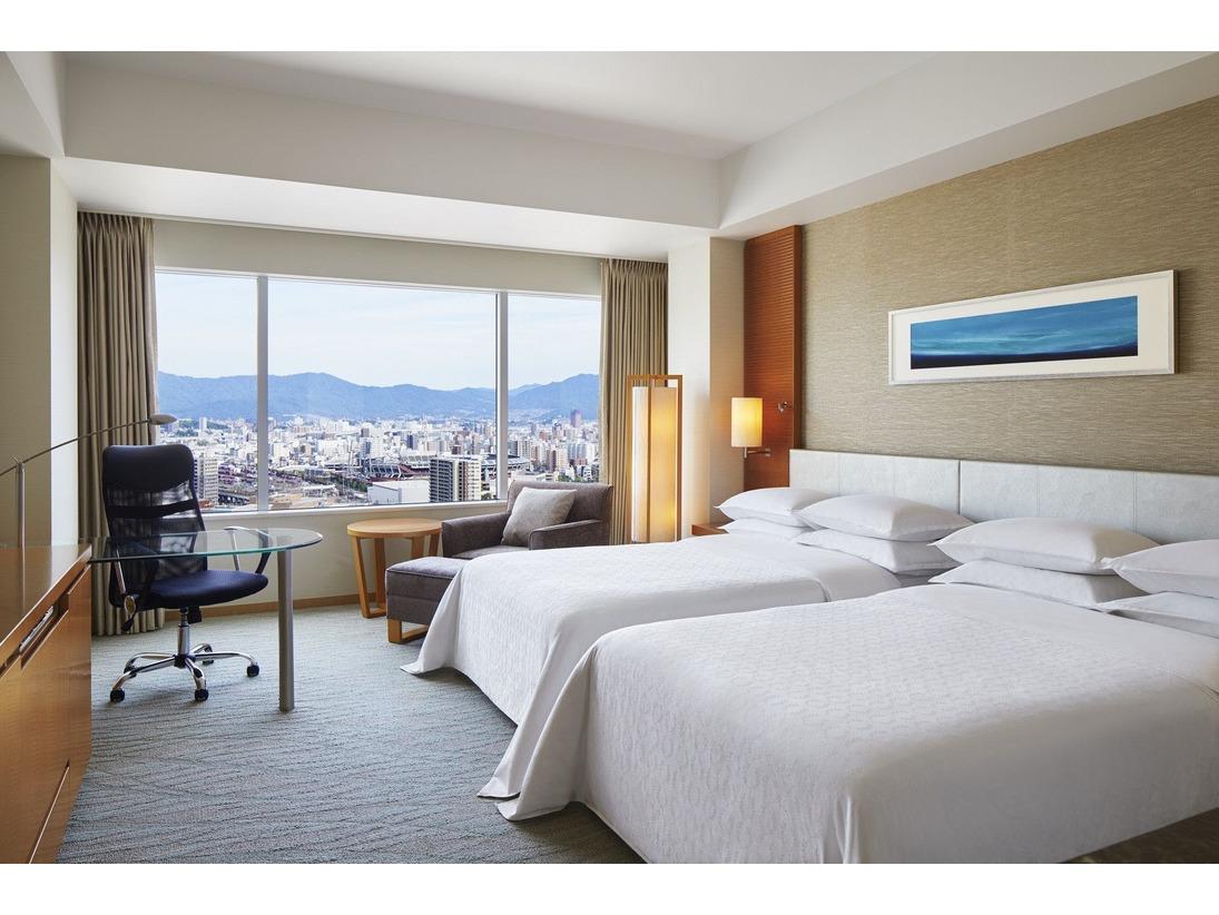 【デラックス(ツイン)】 ご家族、ご友人や大切な人とのホテルステイに最適な35平米のツインルームです。