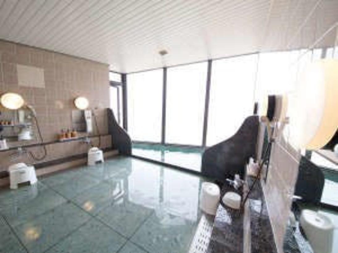 大浴場は小さめです