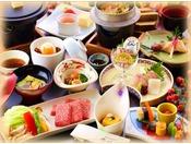 【特選】大分名物「関アジのお造り」「豊後牛陶板焼」「地鶏釜飯」がついた会席です。