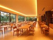 【レストランMON】2014年7月オープン!木のぬくもりと、落ち着いた雰囲気でゆったりとお食事をお楽しみいただけるレストラン「MON」。