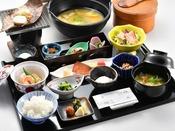 料理長特製の朴葉味噌が美味しい自慢の朝食