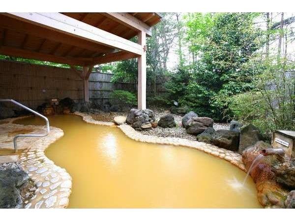 美肌効果のあるかけ流しの天然温泉露天風呂
