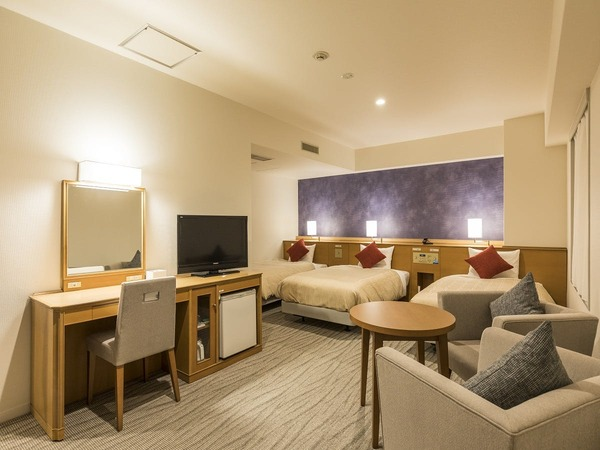トリプルルーム ベッド3台 広さは33.3平米