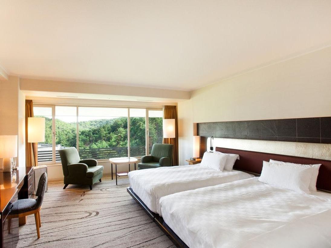 【クラブツイン(8階)】独立洗面台タイプのお部屋は39.6平米、シャワーブース付きのお部屋は41.9平米です。