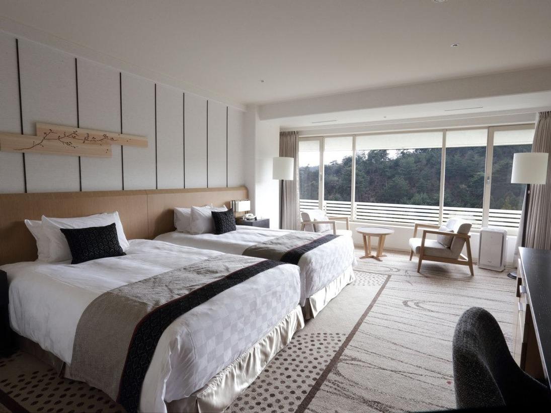 【クラブツイン(7階)】7階には、各お部屋に京都で活躍するアーティストの作品などが配置されています。独立洗面台タイプのお部屋は39.6平米、シャワーブース付きのお部屋は41.9平米です。