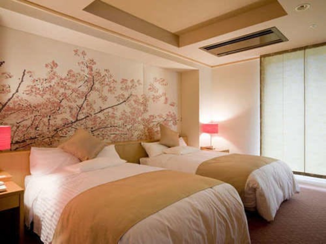 これだけ充実したお部屋は他にはなかなか無いと自信をもっておすすめいたします平成20年10月にオープンしたやすらぎ棟『花・水・木』。和室2室+ベッドルーム+リビング+露天風呂付のお部屋となります。