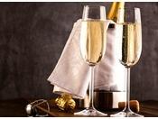 プラン特典:スパークリングワインをお部屋にお届けいたします。