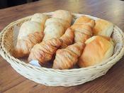 パンは数種類ご用意が有ります。