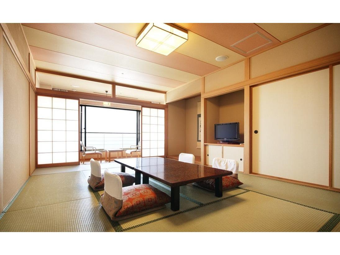 日本海一望の「はま風」スタンダードタイプ客室 和室12畳■はま風館はエレベーターが無い館となっておりますので、お部屋にご案内する際、階段をご利用いただくお部屋となります。