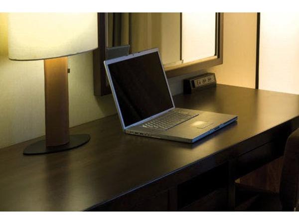 全室インターネット完備(PCはイメージ)