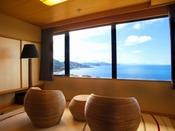 【最上階客室「天空」】から一望する日本海…日々刻々と変わる絶景を愉しむ