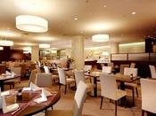 2階 レストラン・フィガロ