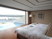 【全室ラグジュアリースイートルーム】ベッドは究極の眠りを約束するシモンズ社製を採用