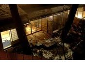 ~松風庵 松涛の間(103号室)~ 中庭。四季折々で表情を変える庭園を純和風のお部屋でお楽しみ下さい。