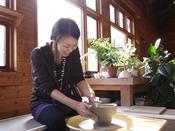 【体験工房 和楽日】陶芸体験 絵付・手びねり・ろくろ(ホテル敷地内)